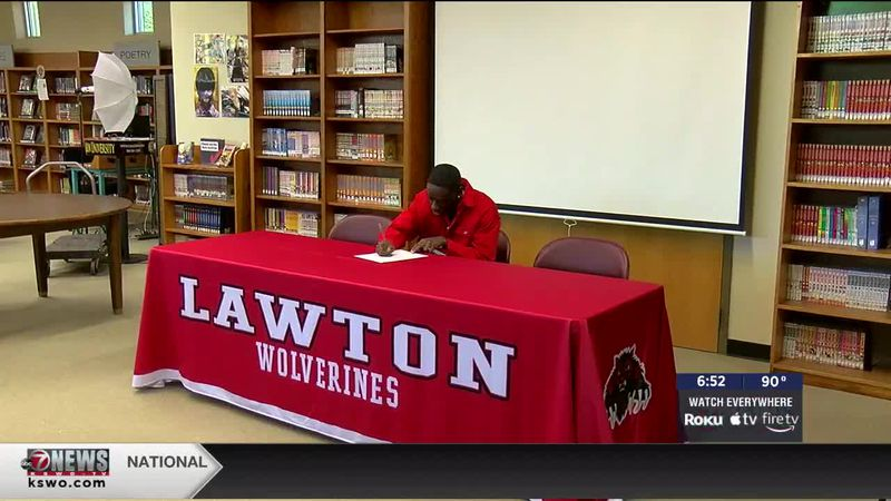 Lawton High track star signs with Sooners