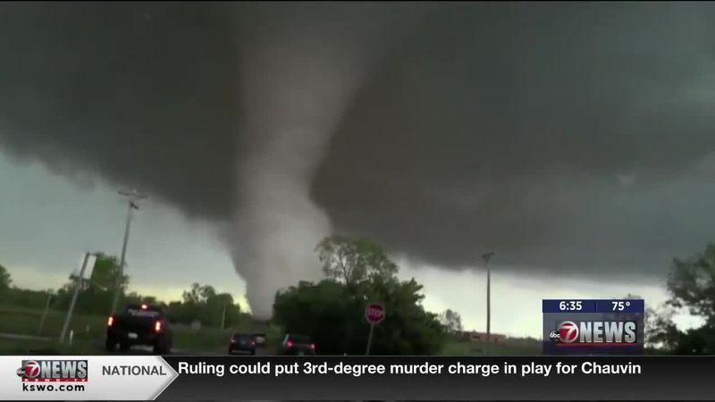 5th Season: Home and car safety during a tornado threat