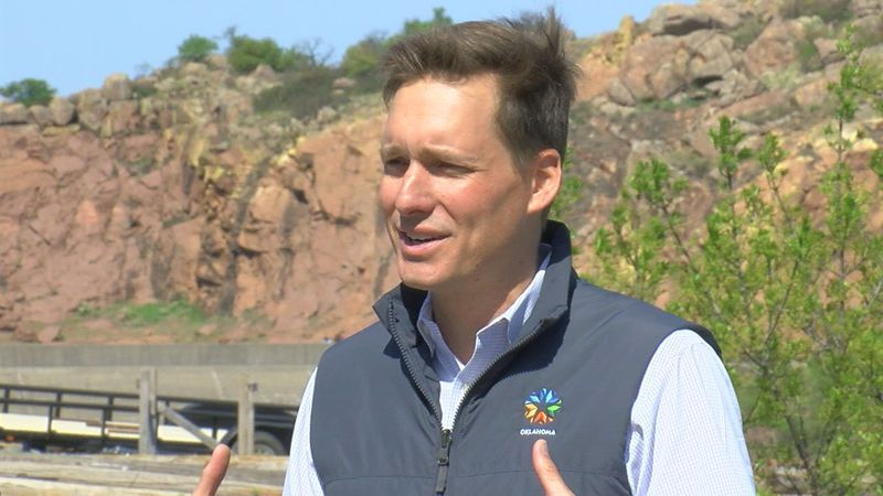 As Medicine Park wrapped up a weekend full of events, Lieutenant Governor Matt Pinnell dropped...