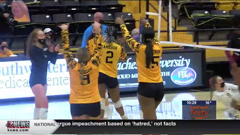 Aggies outlast MSU in five sets