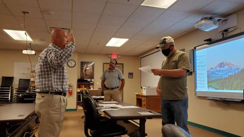 Clint Langford swears in as new Emergency Management Director of Comanche County.