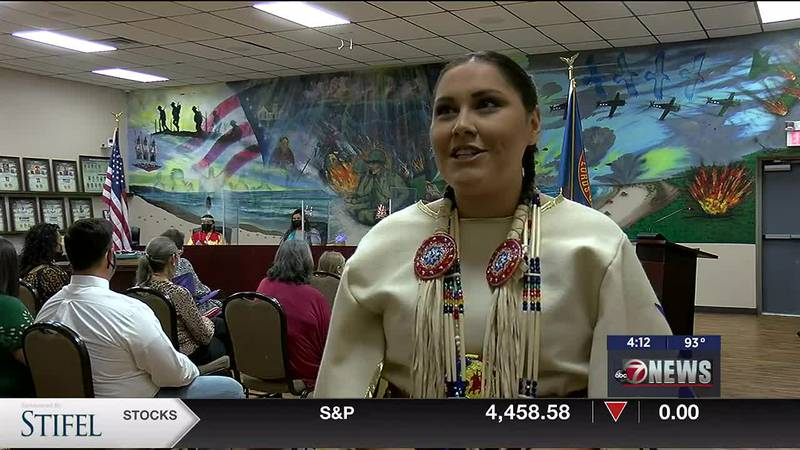Shelby Elizabeth Mata receives Miss Native American USA 2021 title.